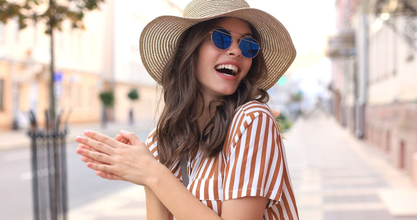 happy-lady-blue-sunglasses